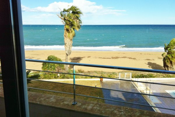 Duplex in Dénia, 1st line of the beach | 125 m² | 2 bedrooms