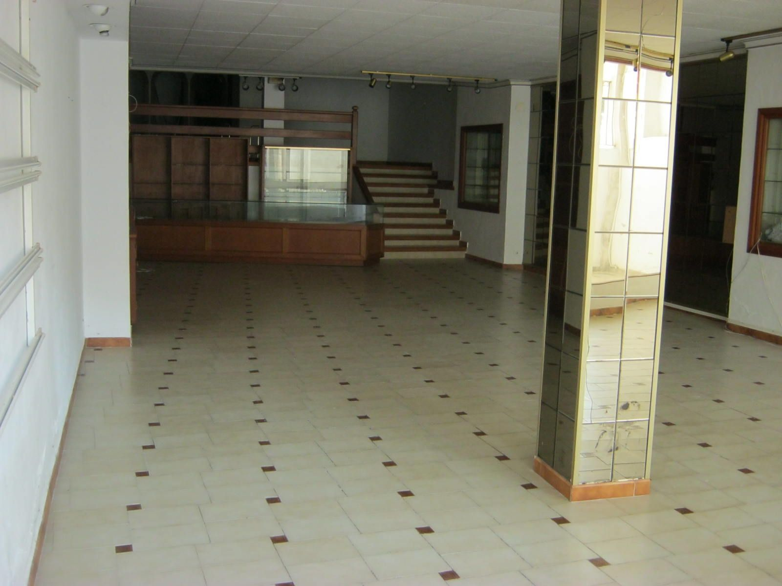 Local commercial benissa vente ou location 220 m for Vente ou location