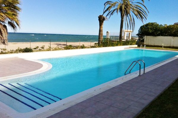 Duplex in Dénia,  1st line of the beach | 150 m² | 3 bedrooms