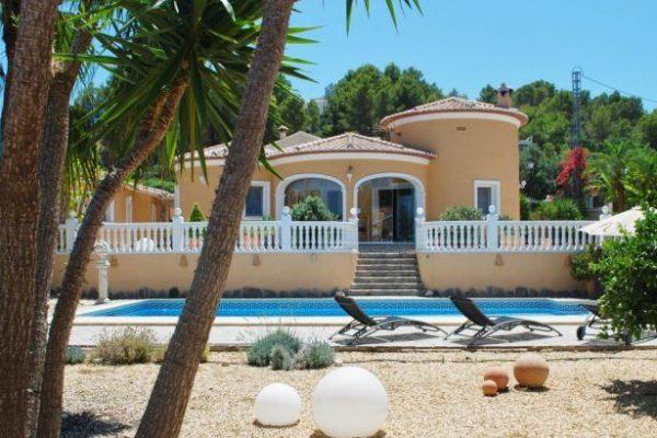Stunning, large villa in Orba | 210 m²