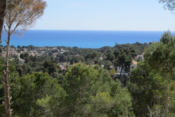 Urban plot in Benissa with sea views | 2045 m²
