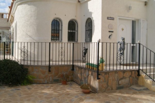 Charming villa in La Nucia | 200 m²