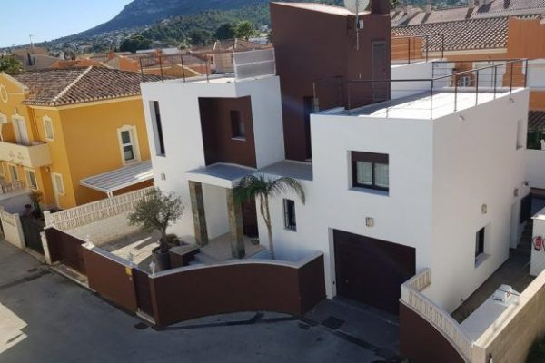 Modern style downtown villa in Dénia | 257 m²