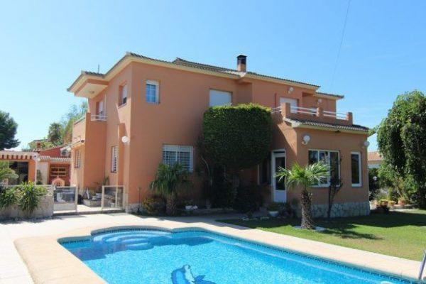 High quality villa in Dénia | 250 m²