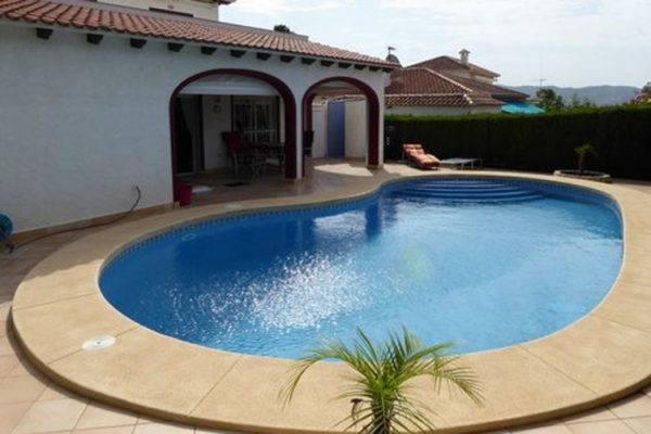 Villa renovated in La Nucia | 161 m²