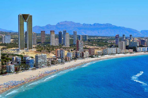 Hotel**** +95 rooms in 1st line with urban plot | Benidorm