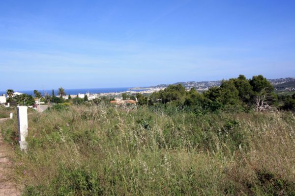 Plot of 1,549 m² with sea views in the 'Zona dels Castellans' | Javea